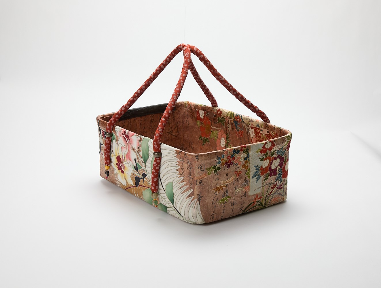 Lacquered Fabric-mache Shopping Basket (Red)